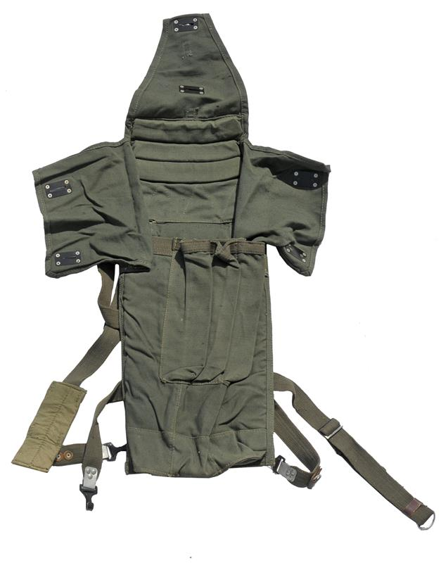 Rocket Bag, Asst Gunners, OD Canvas, Holds 3 Rockets & 3 Prop Charges