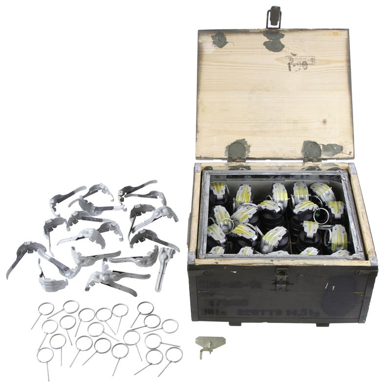 URG 86-SK Sealed Crate of 20 Grenades w/Accessories